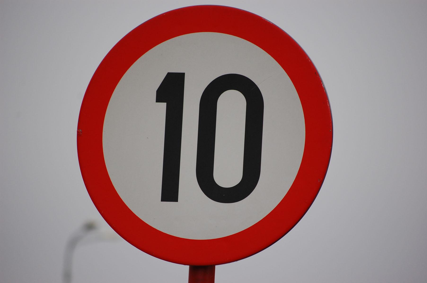 10 traffic sign
